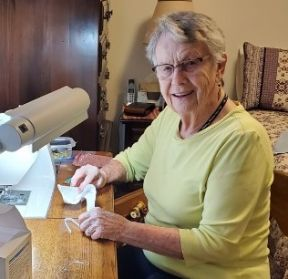 LP Vivian sewing 2020